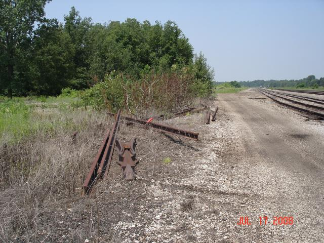 Discarded Rails - West Side Access Road - Cranesville Yard